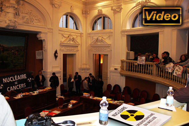 Action_Conseil_General_Vaucluse_CAN_84_Pollution_Radioactive_Nappe_Phreatique_Vaucluse_Occupation_Salle_Conseil_18_02_2012_news_650