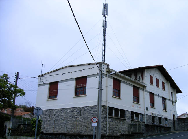 Anglet antennes relais wifi wimax for Antenne relais wifi maison