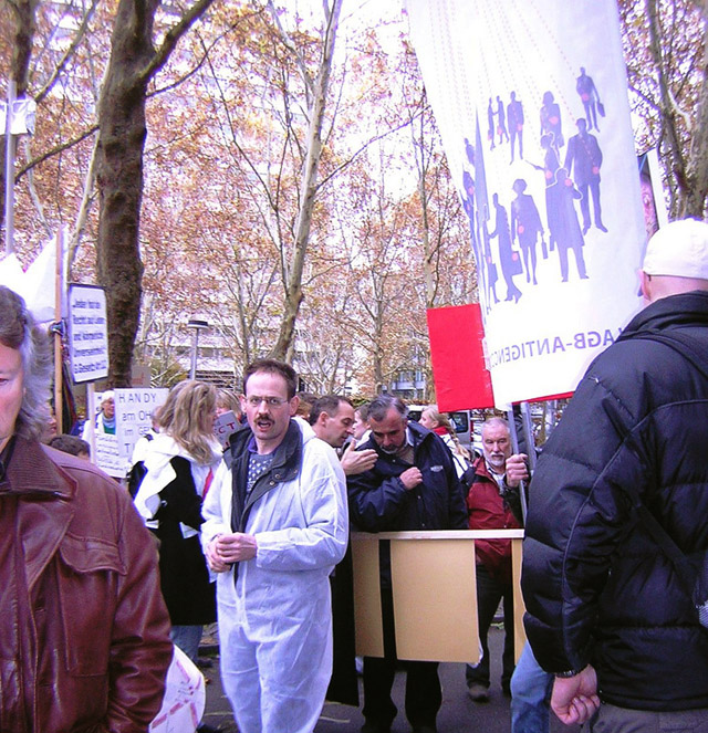 EHS_Demo_in_Stuttgar_14_11_2009_3