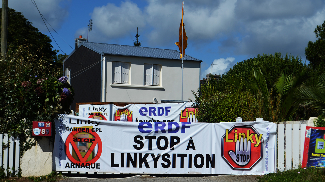 Linky_Stop_Action_1280_DSC_0236.jpg