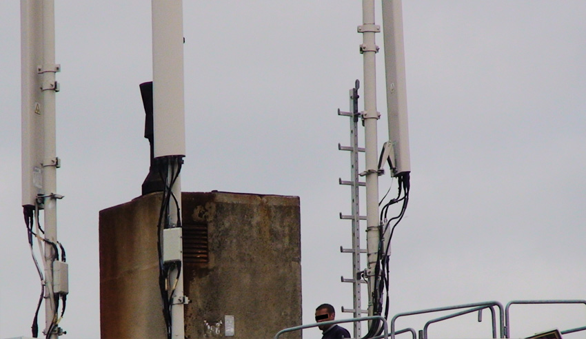 Repere_regard_technicien_de_maintenance_Antennes_relais_2010