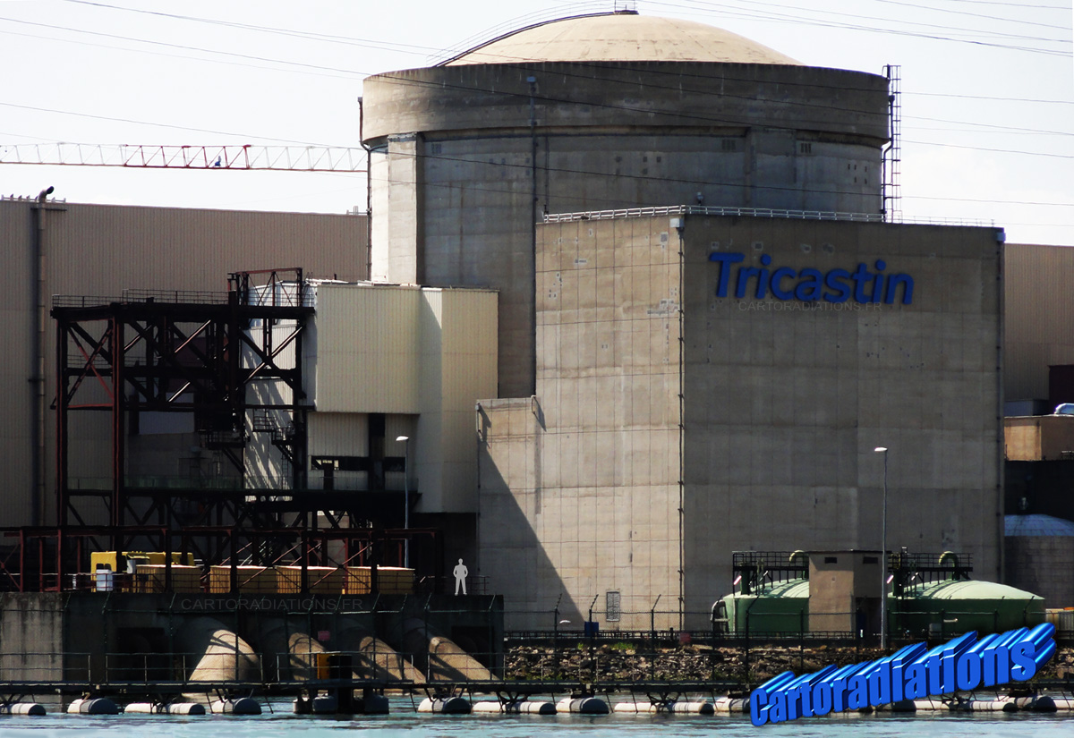 Tricastin_Centrale_Nucleaire_Eau_Refroidissement_et_Reacteur_3_Tricastin_Nuclear_Power_Plant_Water_Cooling_and_Reactor_3_08_07_2011_1200