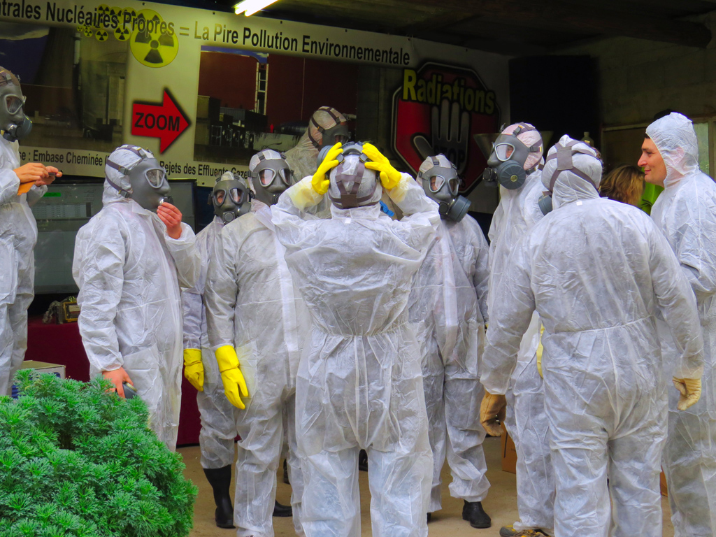 Tricastin_Demo_Tenues_Protection_anti_contamination_Exercice_Nucleaire_3_1024_IMG_2610
